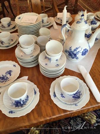 6443b49b Nobel Antikk | Europeisk porselen | Kaffeservise Blå Blomst KD 12 ...
